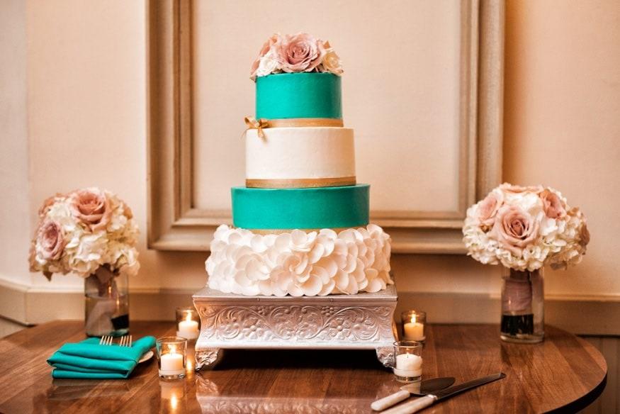 cake HollyHedge wedding reception