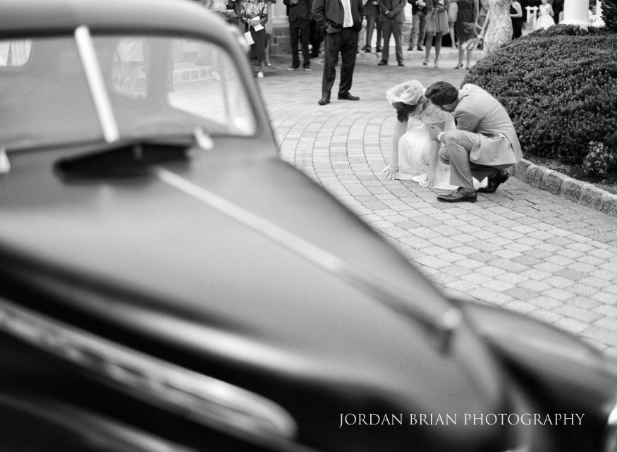 Bride and groom with vintage car at Laurel Creek Country Club Wedding