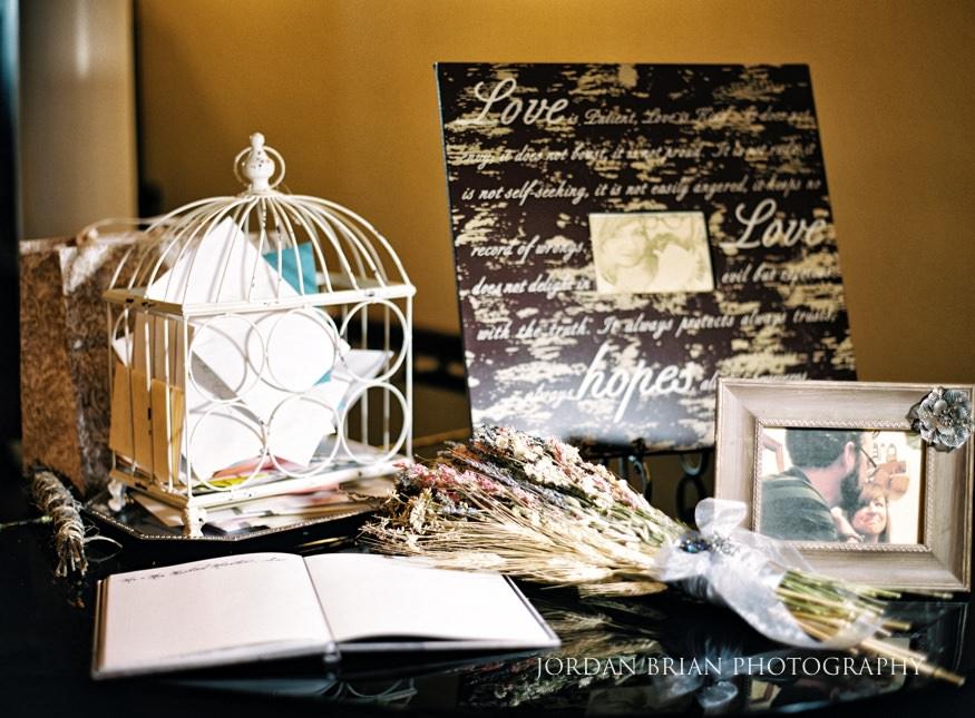 Wedding details at Laurel Creek