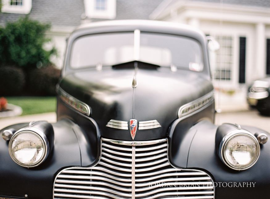 Vintage car for wedding at Laurel Creek