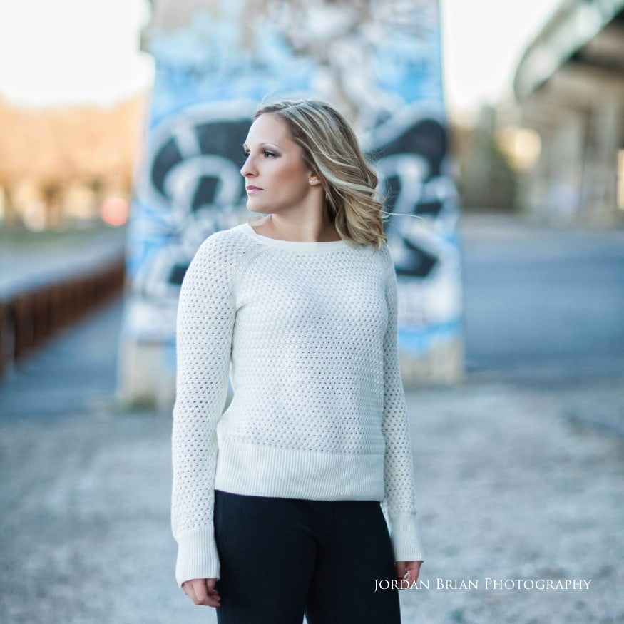 bride infront of graffiti at fdr park engagement session