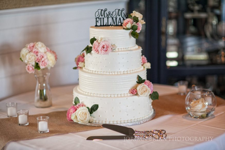 wedding cake at ocean city yacht club