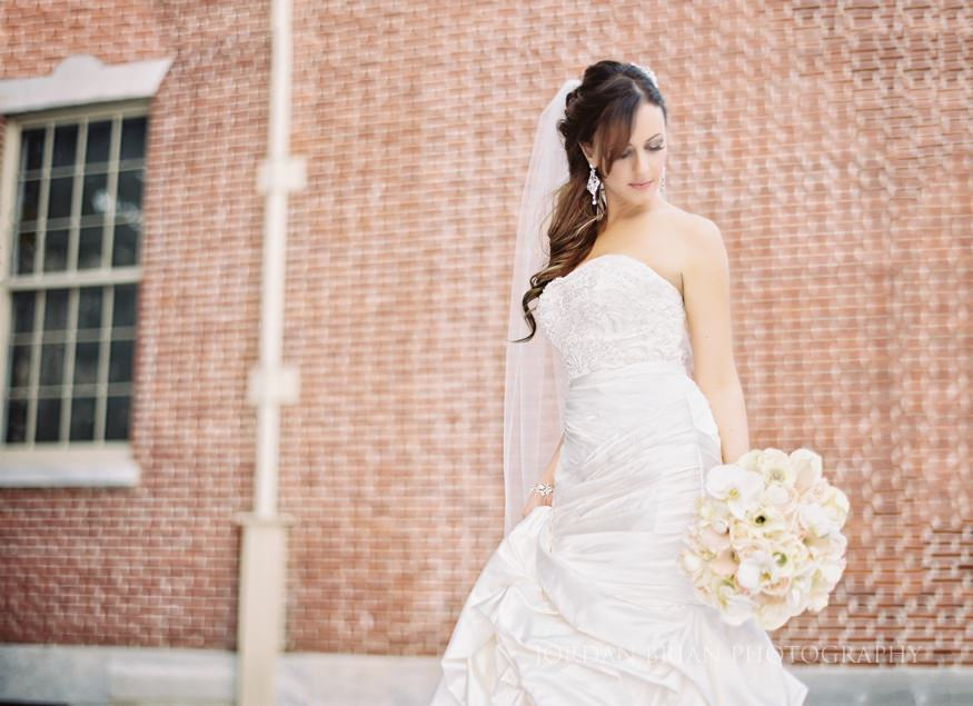 Bride portrait at first bank of the united states Philadelphia