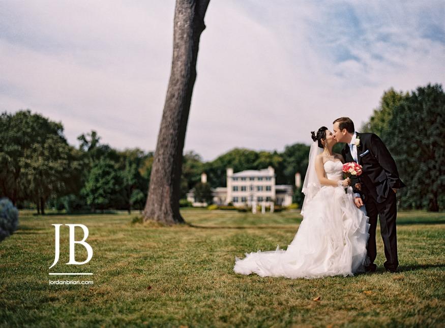 Belle Voir Manor Wedding bride and groom portrait