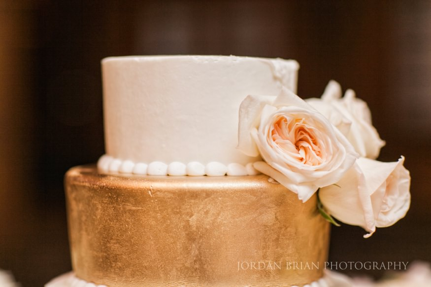 detail of wedding cake at crystal tea room