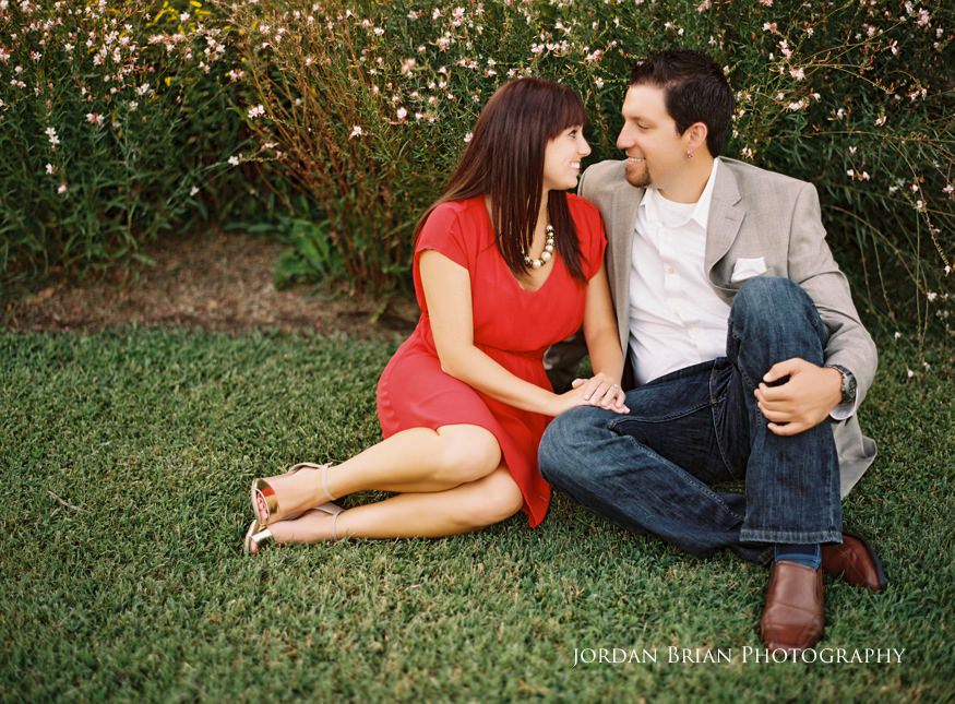 couple on the grass at chesapeake city