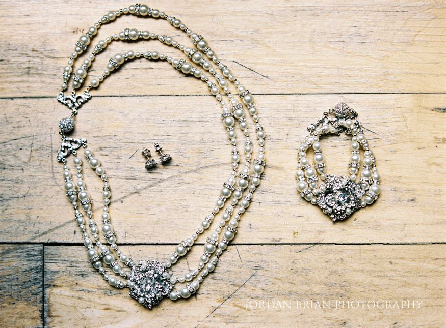bride's wedding jewelry