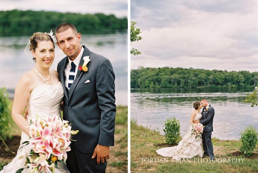 lake house inn bride and groom wedding portraits
