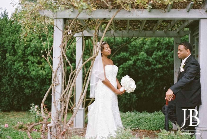 bride-groom-wedding-portraits-strawbridge-park-nj-11