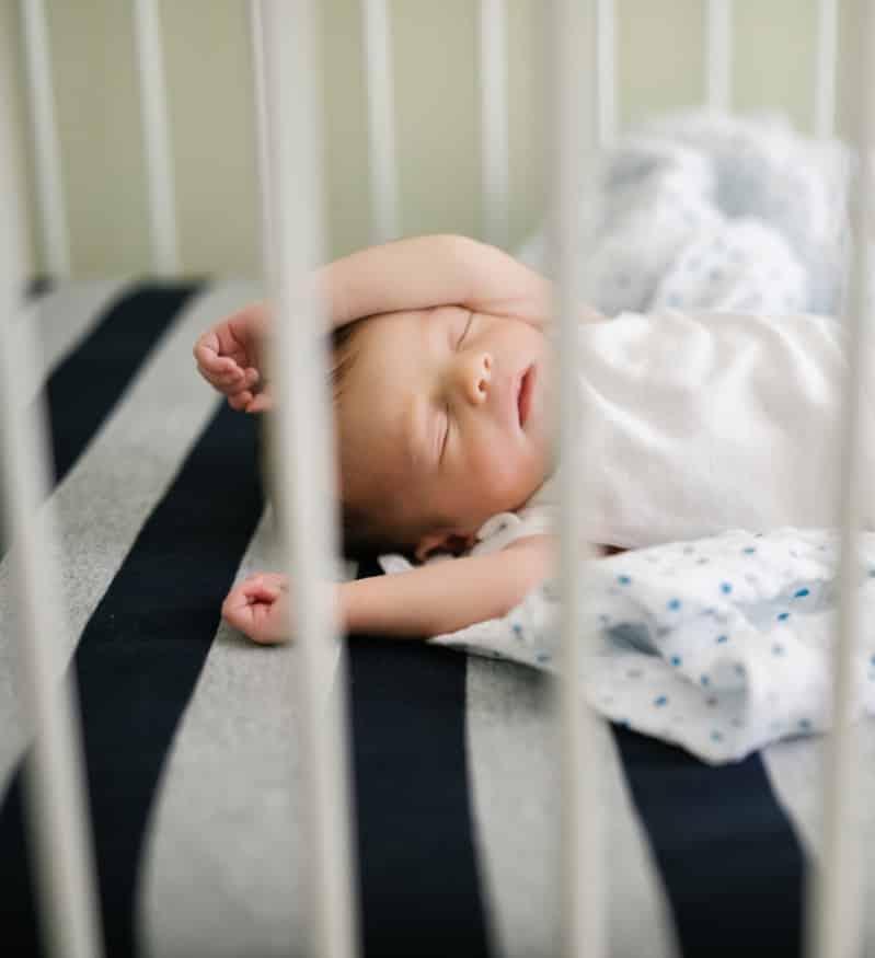 leo-newborn-0114-b